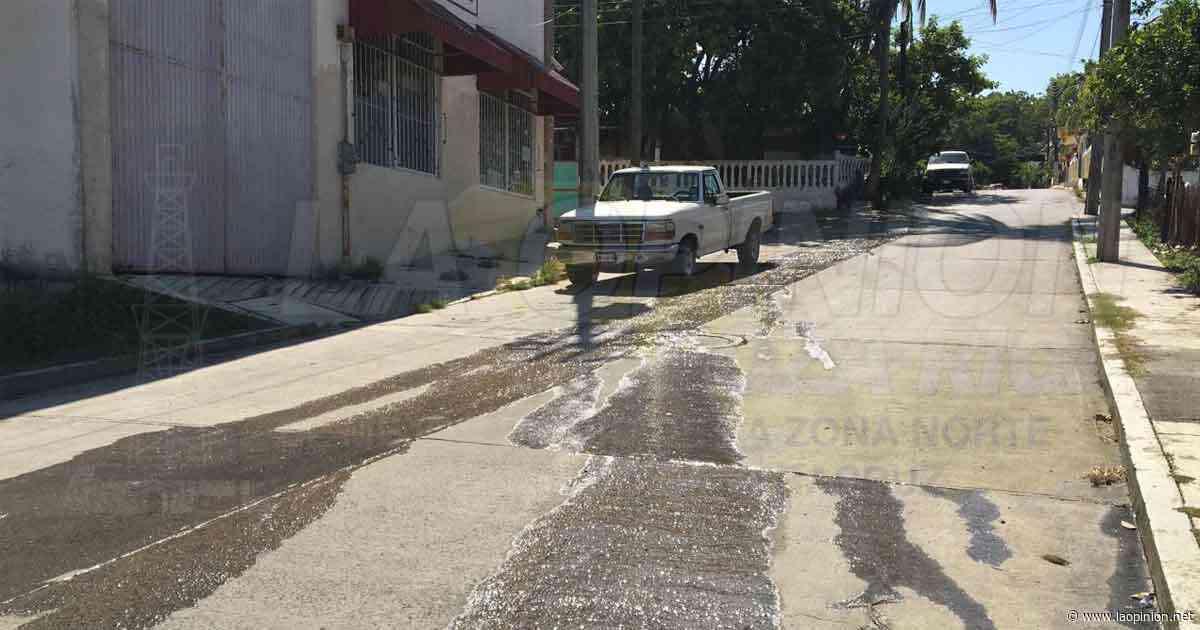 Por fugas se derrocha el agua en Cerro Azul - La Opinión