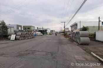 Nova etapa em execução na obra da avenida Campos Novos | Município de Itajaí - Prefeitura de Itajaí
