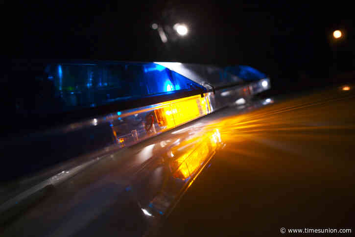 Deck collapse injures children, adult in Saratoga