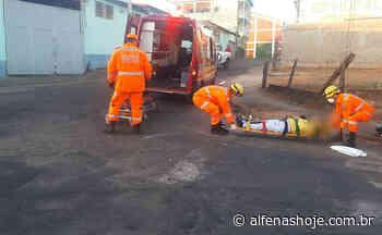 Acidente entre carro e moto é registrado em cruzamento - Alfenas Hoje