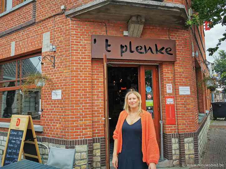 """Lynn houdt café 't Plenke week dicht na positieve coronatest van klant: """"Als ik moet kiezen tussen geld en de gezondheid van de klanten, dan weet ik het wel"""""""