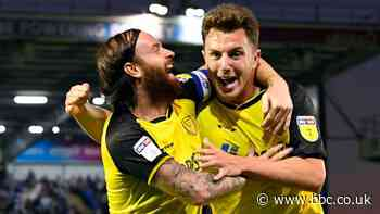 Burton Albion: Quinn, Brayford & Wallace take pay cuts to sign new deals