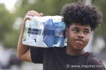 This 16-year-old was robbed of his profits selling bottled water. Camden rallied.   Helen Ubiñas - The Philadelphia Inquirer