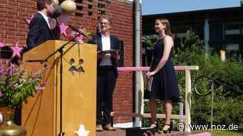 Schüler der Realschule Dissen erhalten Abschlusszeugnisse - noz.de - Neue Osnabrücker Zeitung