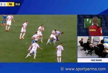 Il braccio diventa spalla, grave errore di Fabbri in Roma-Parma - Sport Parma