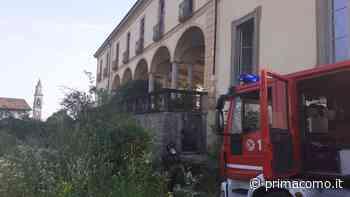 Incendio al Castello d'Inverigo FOTO - Prima Como