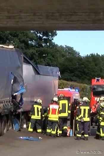 A1: Stau nach Unfall bei Oyten Richtung Bremen - NDR.de