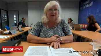 Sandwell Council leader quits accusing colleagues of racism and corruption - BBC News
