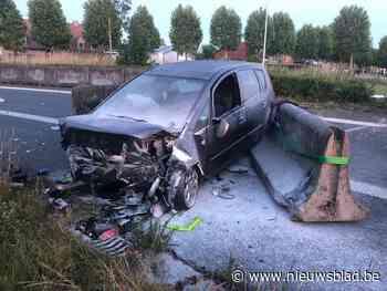Vijf gewonden bij spectaculair ongeval in Jabbeke - Het Nieuwsblad