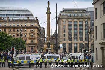 Four men arrested after rival protesters clashed at Glasgow's George Square with missiles thrown - The Scottish Sun