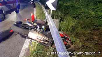 Sbanda e finisce fuoristrada: ferito un motociclista a Pocenia - Il Messaggero Veneto