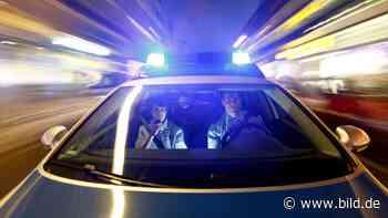 Krefeld: Blonder Mann begrabscht Radfahrerin - BILD