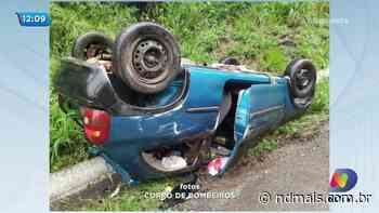 Carro capota na BR-158 em Palmitos e motorista não é encontrado - ND
