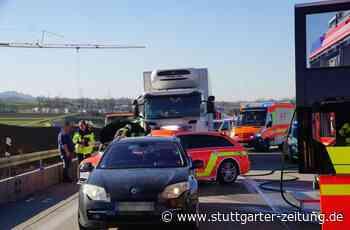 A8 bei Weilheim an der Teck: Neue Erkenntnisse zum schweren Verkehrsunfall – Zeugen gesucht - Stuttgarter Zeitung