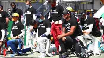 Zeichen gegen Rassismus: Lewis Hamilton kniet nieder - STERN.de