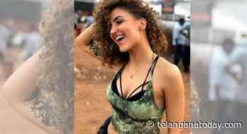Bollywood actress Elli AvrRam pens poetry on social media - Telangana Today