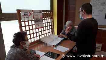 À Wimereux, le centre culturel prête aux seniors des tablettes très faciles d'utilisation - La Voix du Nord