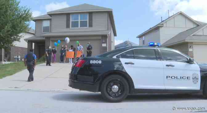 10-year-old celebrates birthday with Austin police officers during pandemic