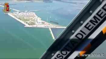 Mose, l'opera vista dall'alto durante la prova generale - Italia - Agenzia ANSA