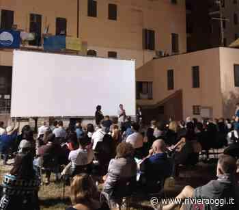 Cinema in giardino parte col botto a Grottammare, applausi per Aurelio Grimaldi. Il 9 luglio primo evento sulla Terrazza - Riviera Oggi - Riviera Oggi