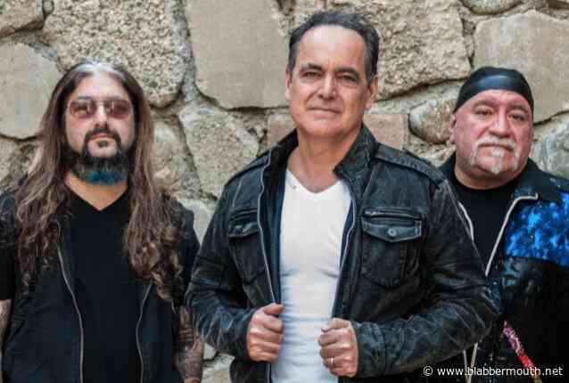 NEAL MORSE, MIKE PORTNOY And RANDY GEORGE Cover JETHRO TULL's 'Hymn 43' (Video)