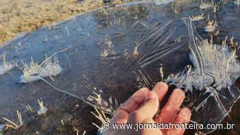 Lago amanhece congelado na Serra catarinense e região registra -4,4ºC - Jornal da Fronteira