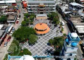 Devuelven 150 mil pesos extraviados en centro comercial de Nanchital - Imagen del Golfo