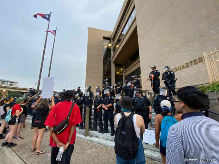 275 complaints of police misconduct from Austin protests move forward to Internal Affairs review