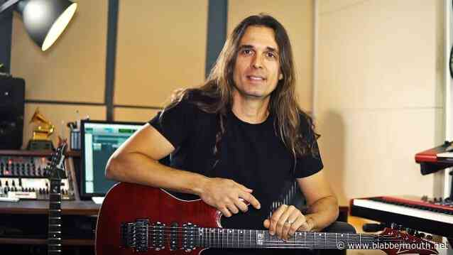MEGADETH's KIKO LOUREIRO: Listen To Entire New Solo Album, 'Open Source'