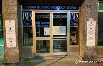 Coronavirus: manifesti funebri Casapound sotto Inps Aosta - Agenzia ANSA