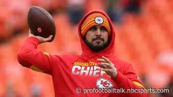 Chiefs bring back Matt Moore
