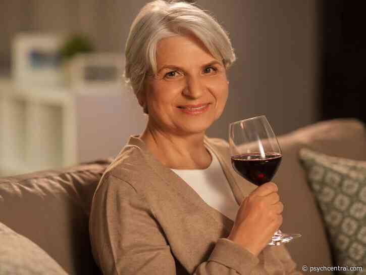 Light Drinking May Help Older Adults' Cognition