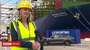 Liz Truss: US trade deal 'won't mean lower food standards' - BBC News