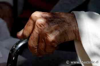 Quillota: cinco adultos mayores fallecen tras brote de Covid en hogar de Fundación Las Rosas - The Clinic