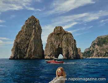 FOTO ZOOM - Lady Milik in barca a Capri - Napoli Magazine