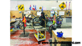 Estrie Aide sets up bicycle repair shop - Sherbrooke Record