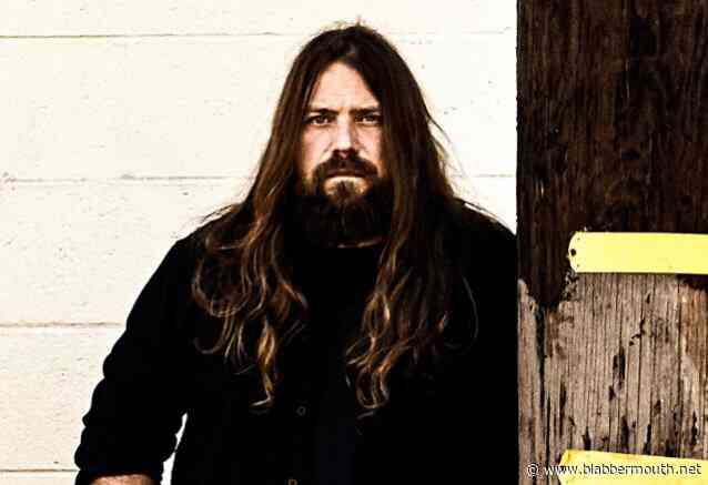 LAMB OF GOD's MARK MORTON Says TRUMP Is 'Grossly' Underestimating His Base's Intelligence
