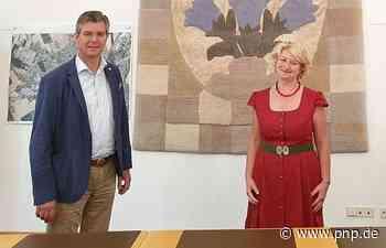 MdB Hagl-Kehl im Gespräch mit Bürgermeister Schmalhofer - Passauer Neue Presse