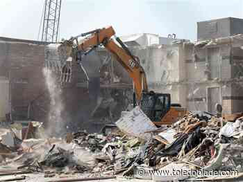 Demo Day: Former Holiday Inn in Perrysburg Township torn down