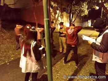Fiscalização multa jovens em aglomeração consumindo bebidas alcoólicas em Arapoti - Folha Extra