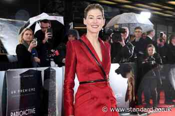 Rosamund Pike: I used to feel like I was being 'eaten alive' on red carpets - Evening Standard