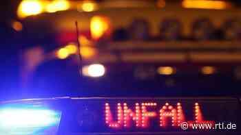 Auto überschlägt sich in Waltershausen: Ein Schwerverletzter - RTL Online