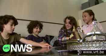 """Chahid (13) en Amira (11) wonen vlak bij Umicore in Hoboken: """"Als ik mijn hand op iets leg, is die zwart van het stof"""" - VRT NWS"""