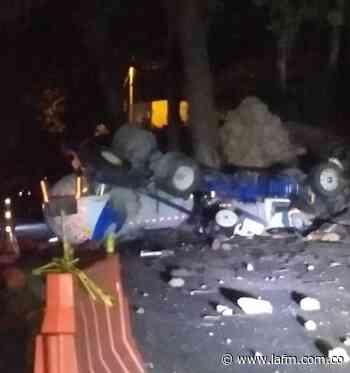 Cierre en vía Piedecuesta - San Gil por accidente de tránsito - La FM