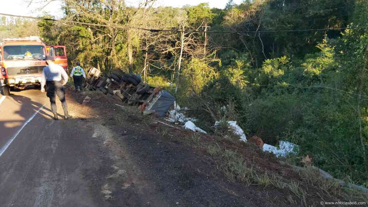 ▷ Camionero que transportaba pasta celulósica falleció al caer a un barranco tras despistar - noticiasdel6.com - Noticiasdel6.com