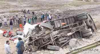Camión cae a pequeño barranco en Cañete y provoca la muerte de una persona (VIDEO) - Diario Correo