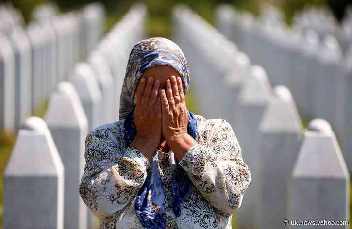 Bosnians mark 25 years since Srebrenica genocide that shocked the world
