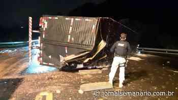 Veículo tomba na BR-470, em Carlos Barbosa - jornalsemanario.com.br