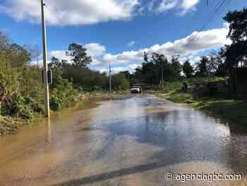 Estrada do Nazário, entre Canoas, Cachoeirinha e Esteio, segue intransitável - Agência GBC