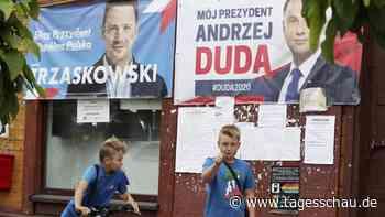 Polen vor Stichwahl: Attacken und Phantomdebatten